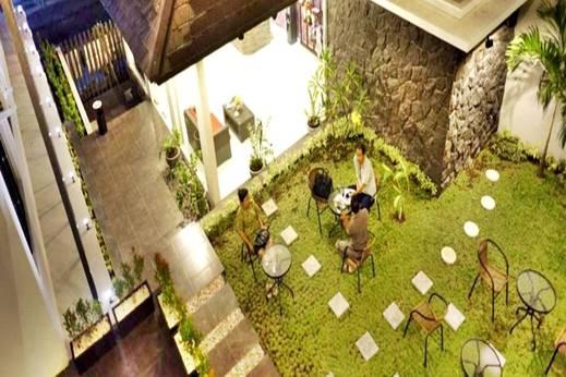 Hotel Lotus  Cirebon - Taman nampak atas