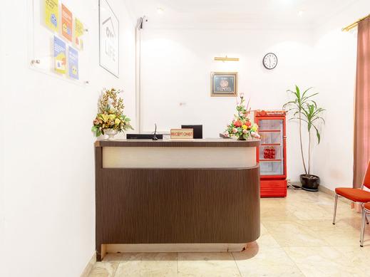 OYO Life 2843 Raz House Syariah Medan - Reception