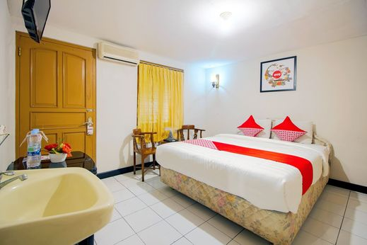 OYO 1159 Bukit Indah Hotel & Restaurant Near RSUD Prambanan Yogyakarta - Bedroom