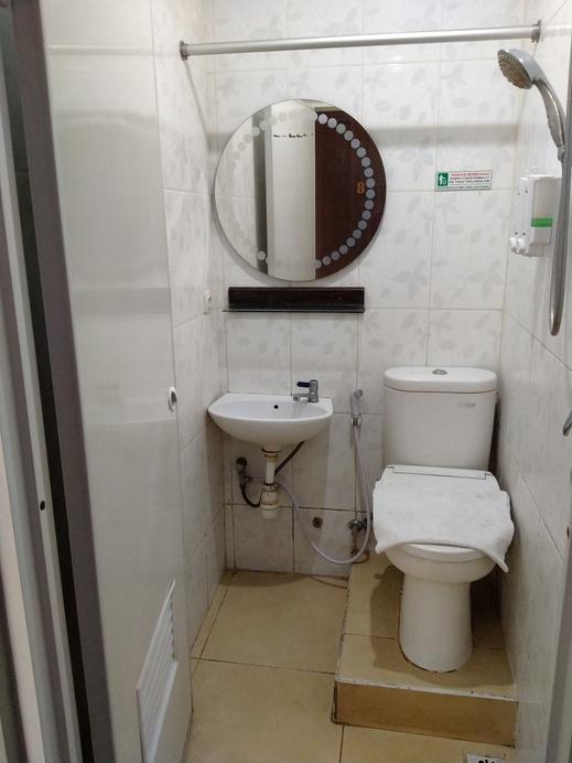 Kristalia Hotel Bandung - kamar mandi