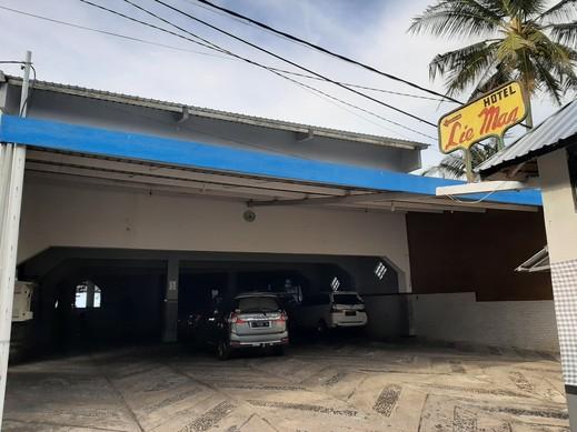 OYO 90132 Lie Mas Hotel Pasuruan - Facade