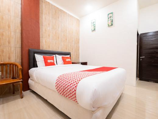 OYO 1695 Royal Senggigi Hotel Lombok - Bedroom DL D