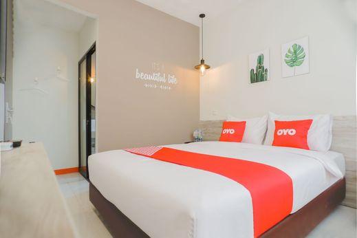OYO 281 Hotelo Jakarta - Bedroom