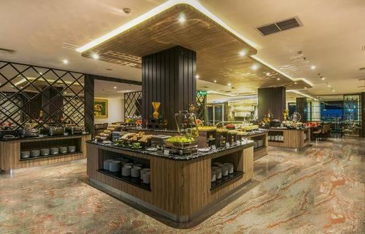 Arthama Hotels Losari Makassar - Buffet