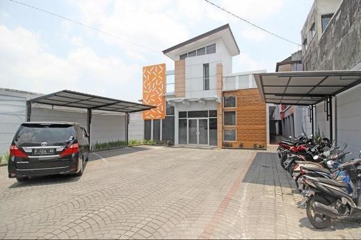 RedDoorz near Hartono Mall 3 Yogyakarta - Eksterior