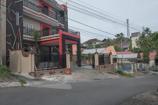 RedDoorz near E Walk Mall Balikpapan  Balikpapan - Bangunan Properti