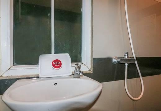 NIDA Rooms Riatur Helvetia Medan Kota - Kamar mandi