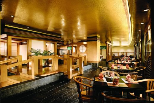 Lumire Hotel Jakarta - Restaurant