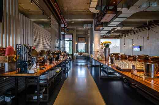 Yello Hotel Jemursari - Restaurant