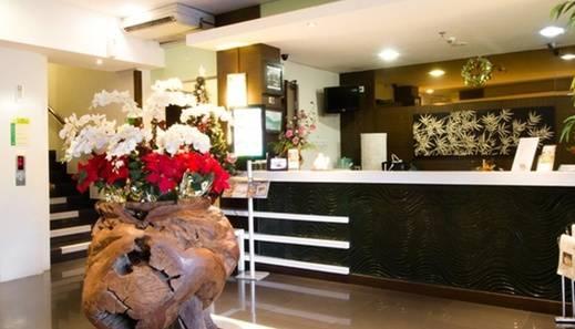 RedDoorz @Slipi Jakarta - Lobby