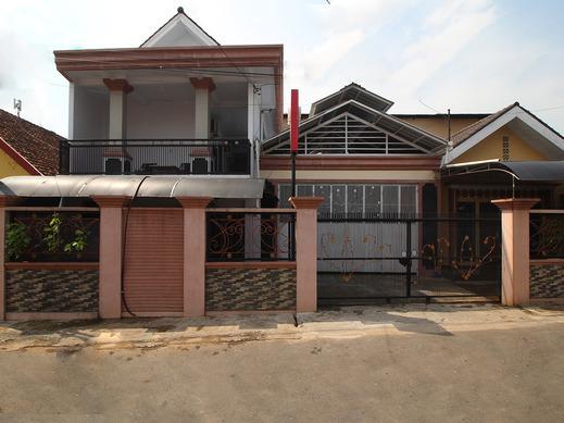 OYO 2176 Amanah Syariah Residence Bandar Lampung - Facade