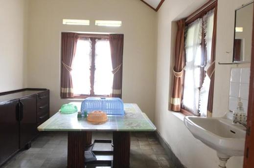 Villa De Nusa Pacet Mojokerto - Interior