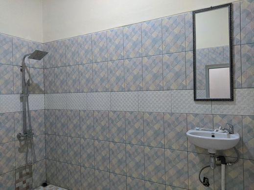Aruni Hotel Purwakarta Purwakarta - Bathroom