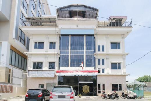 Airy Medan Petisah Gajah Mada 53 Medan - Hotel Front