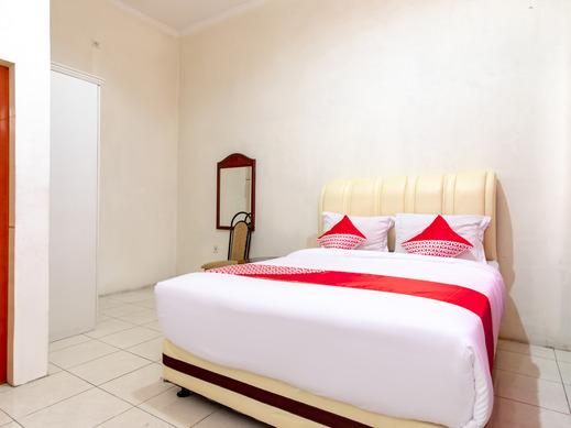 OYO 2777 Sleepover Sei Serayu Medan - Bedroom SD