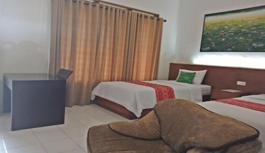 Lanosa Guest House Tomohon - Bedroom