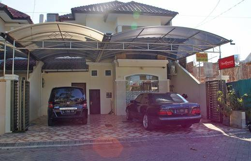 RedDoorz @Galaxy Permai Surabaya - Eksterior