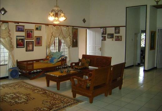 SL Guesthouse Cianjur - Interior