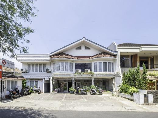 OYO 1444 Patradissa Hotel Bandung - Facade