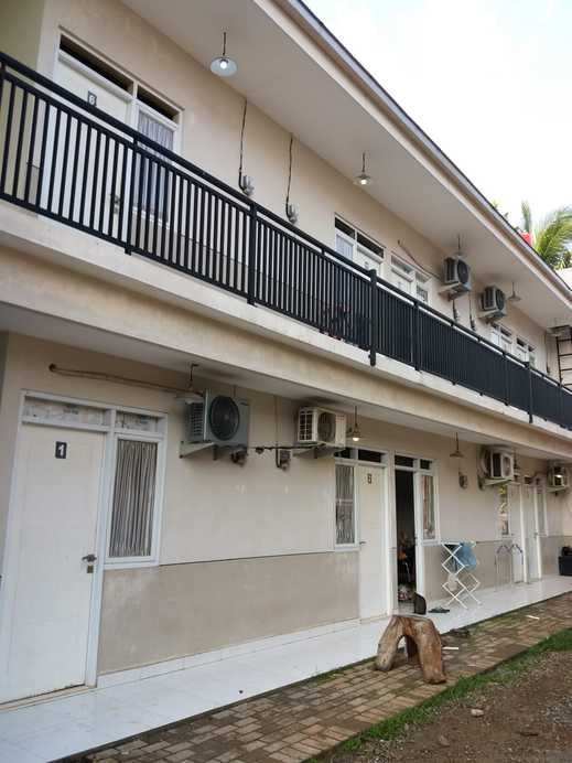OYO 2851 Anggrek House Syariah Depok - Facde