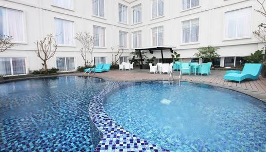Grand Keisha Yogyakarta - Swimming pool