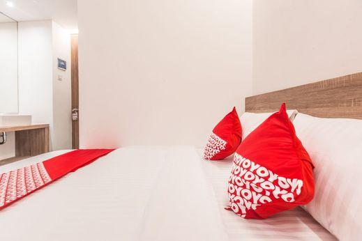 OYO 934 Ayama Syariah Jakarta - Bedroom S/D