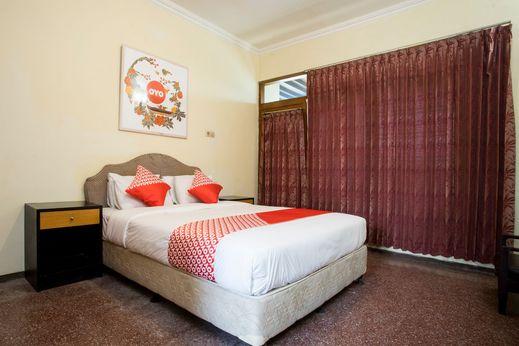 OYO 1238 Hotel Perdana Near RS Bethesda Yogyakarta - Bedroom