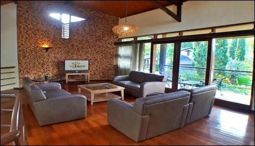 Villa Klub Bunga 4 Bedrooms near Jatim Park Malang - interior