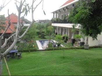 Damar Emas Guesthouse Bali - Exterior
