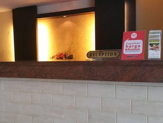 NIDA Rooms Manado Sudirman Wenang Manado - Resepsionis