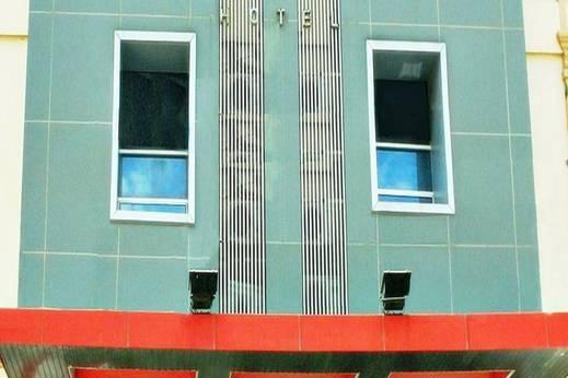 Vindhika Hotel Makassar - Tampilan Luar Hotel