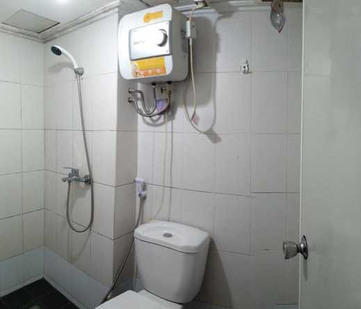 Happy Stay at Jarrdin Apartment Bandung - Bathroom