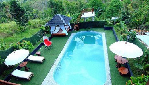 Lorent La Villa Padang - Kolam Renang