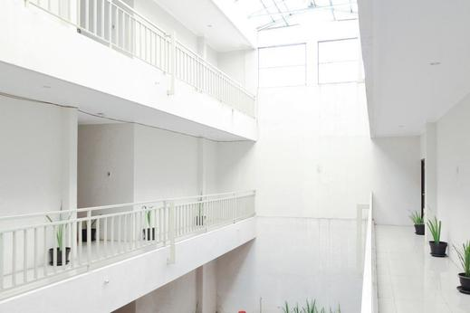 Airy Banyumanik Ngesrep Timur Satu 178 Semarang - Balcony