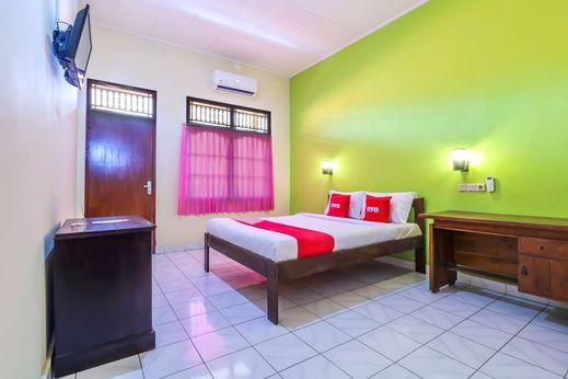 OYO 2184 Nan Berlian Inn Bali - Bedroom