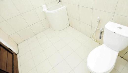 Wagga Mama Guest House Palangka Raya - Bathroom
