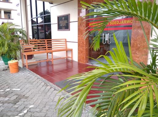 Wisma Anton Soedjarwo Depok - Lobby Entrance