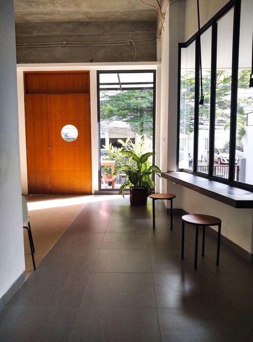 Tengah Tengah Jakarta - Facilities
