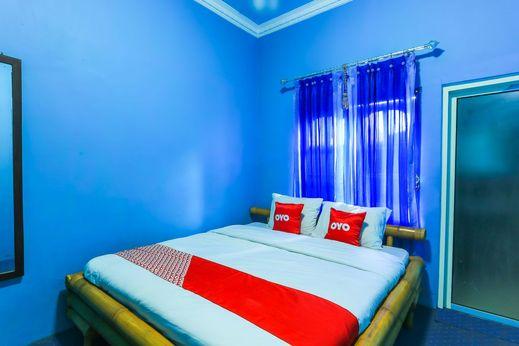OYO 1774 Griya Dahlia Banyuwangi - Bedroom