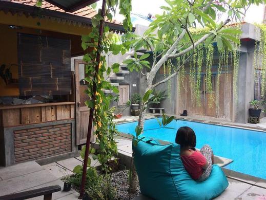 Nextdoor Homestay Yogyakarta - Pool