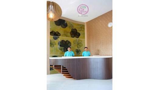 FixOn Capsule Hotel Banyumas - Reception