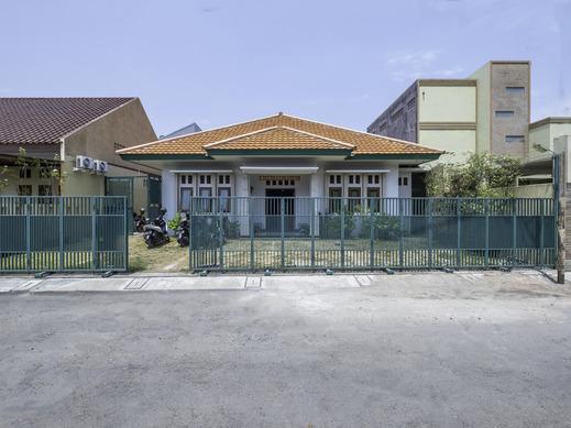 OYO 2072 Wisma Teratai Cirebon - Facade