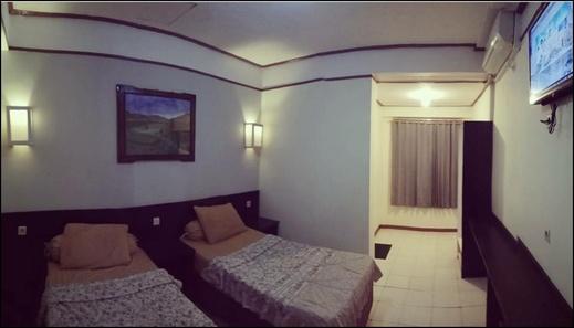 Hotel Flores Ende - room