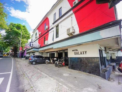OYO 2217 Galaxy Hotel Manado - FACADE