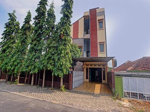 SPOT ON 90340 Al Bayt Homestay Syariah Bandar Lampung - Facade