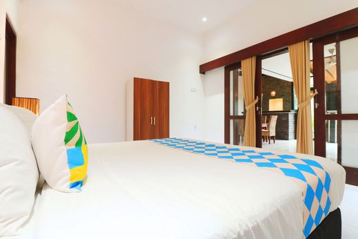 OYO 2542 Villa Iluka 2 Bali - Bedroom