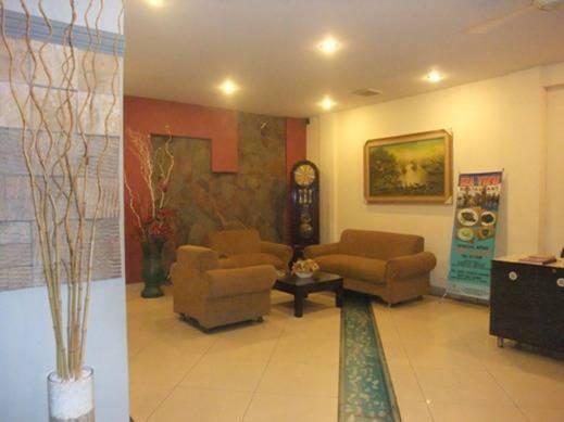 NIDA Rooms Kompleks Pelabuhan Manado - Lobi