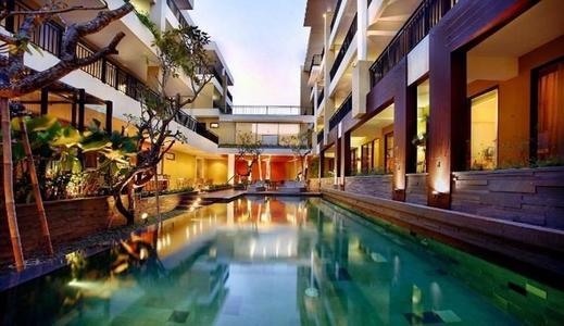 100 Sunset Hotel Bali - pool
