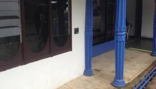 Shirley Kost Boarding House Palembang - Balcon