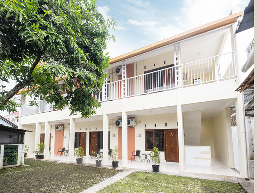 OYO 2914 Teratai Guest House Yogyakarta - Facade